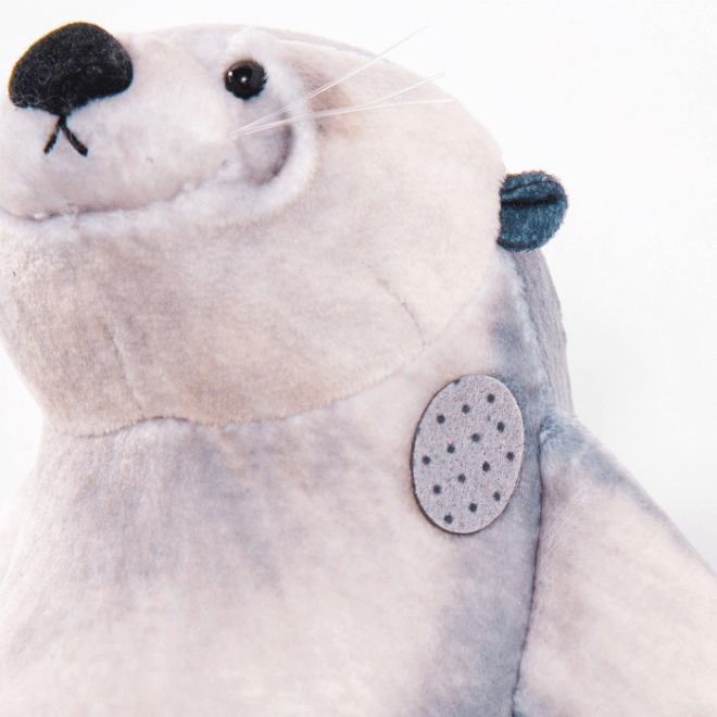 sea otter pouch - saggy skin