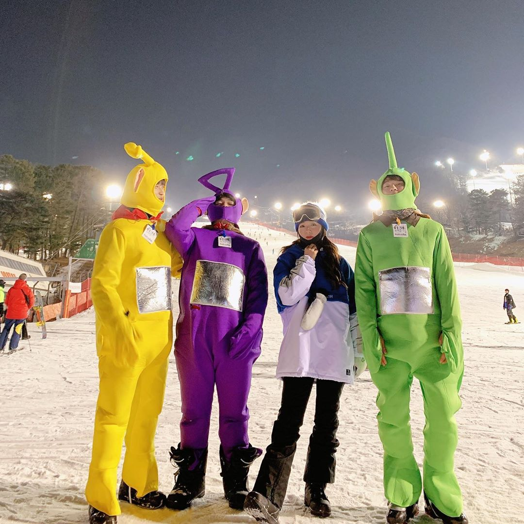 Skiing with friends