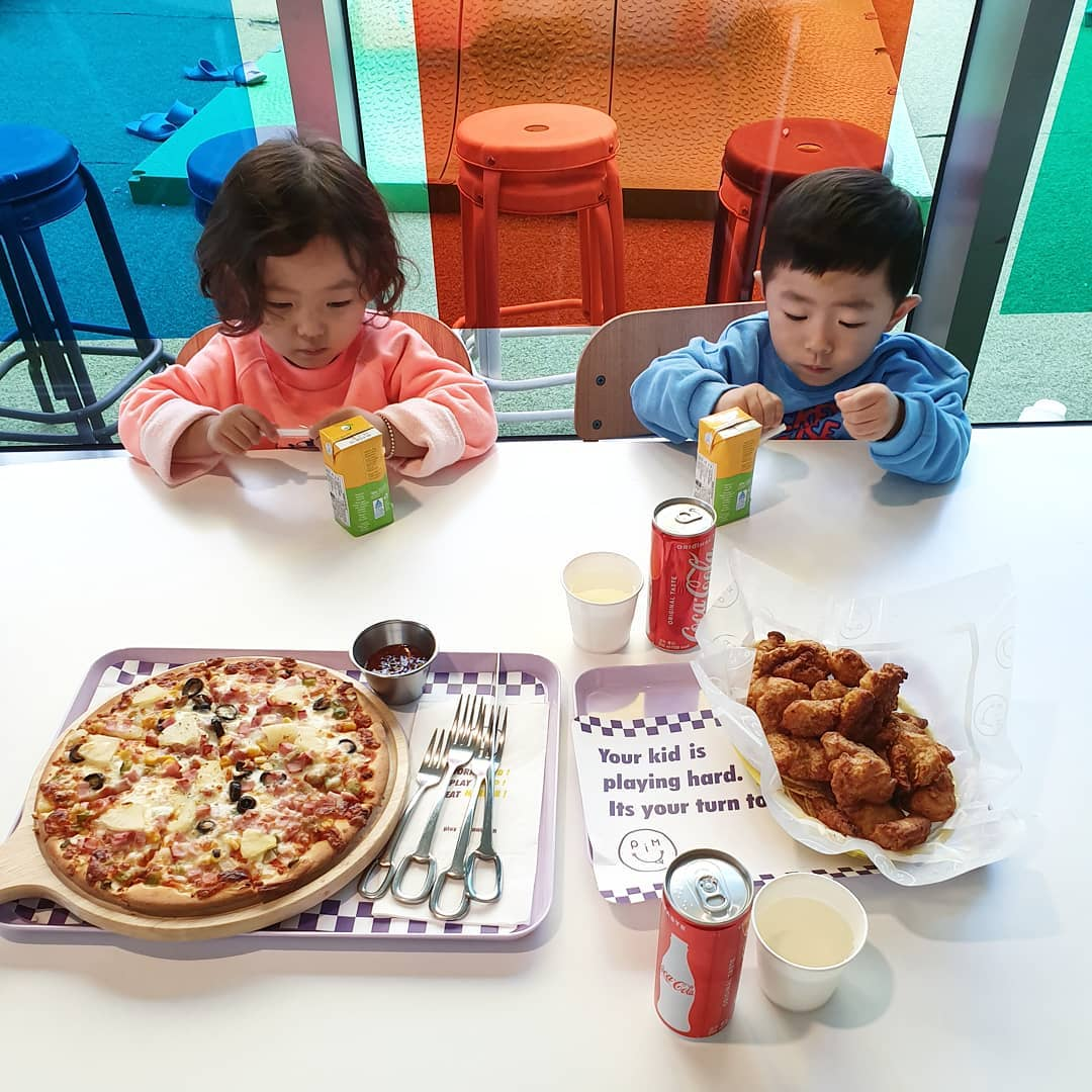 Pizza and fried chicken