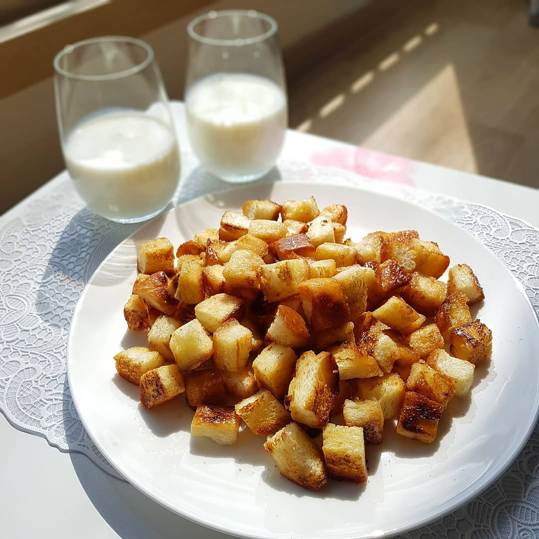 Caramelised croutons