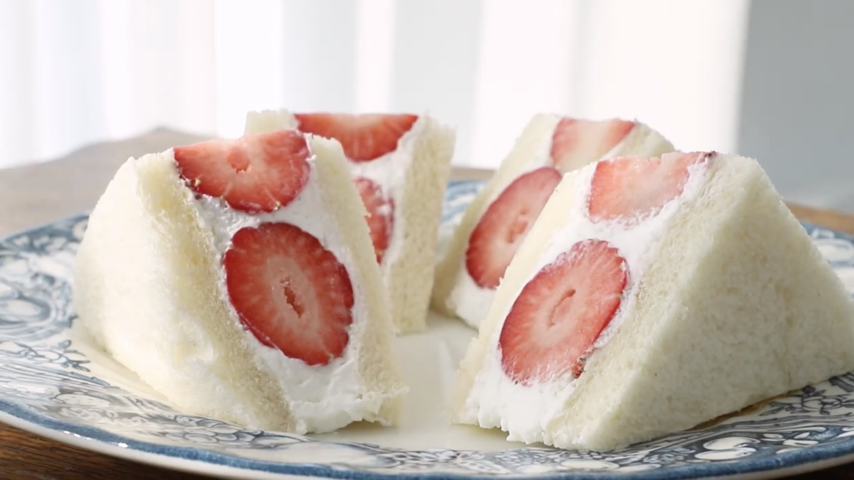 Strawberry sandwich