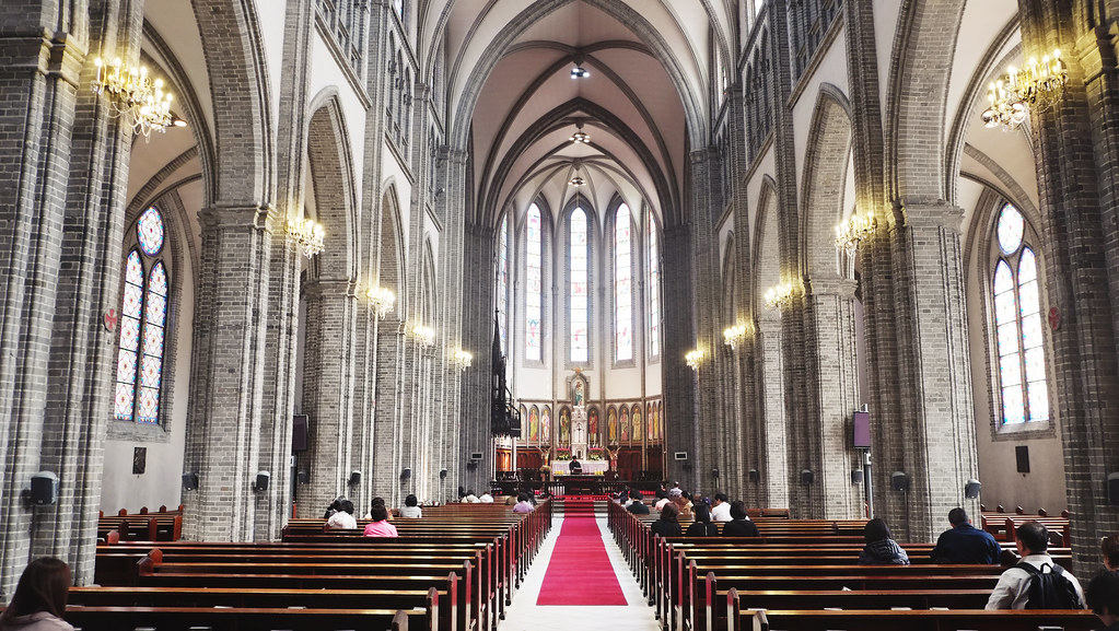 Seoul then and now - Myeong-dong cathedral interior