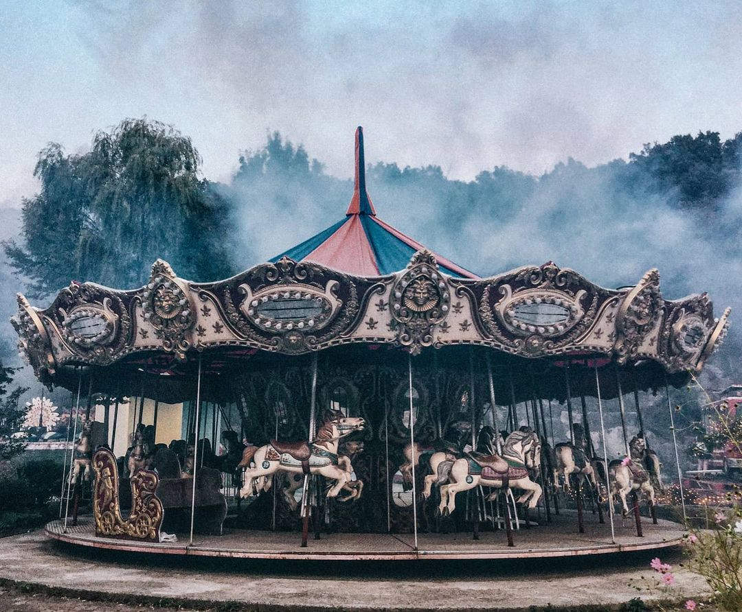 Yongma Land: An Abandoned Theme Park For Capturing Trippy Shots