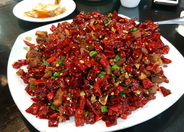 Spicy chicken w/ dried chillies