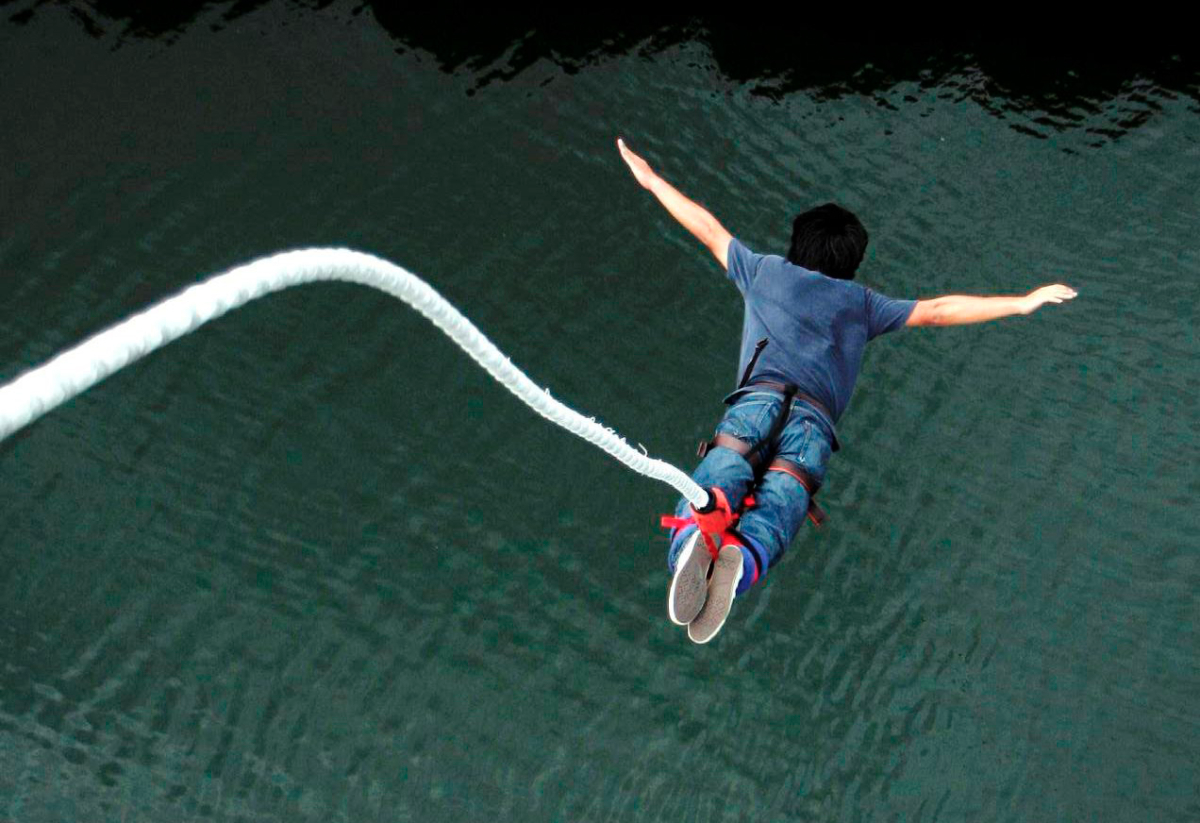 bungee jumping (2)