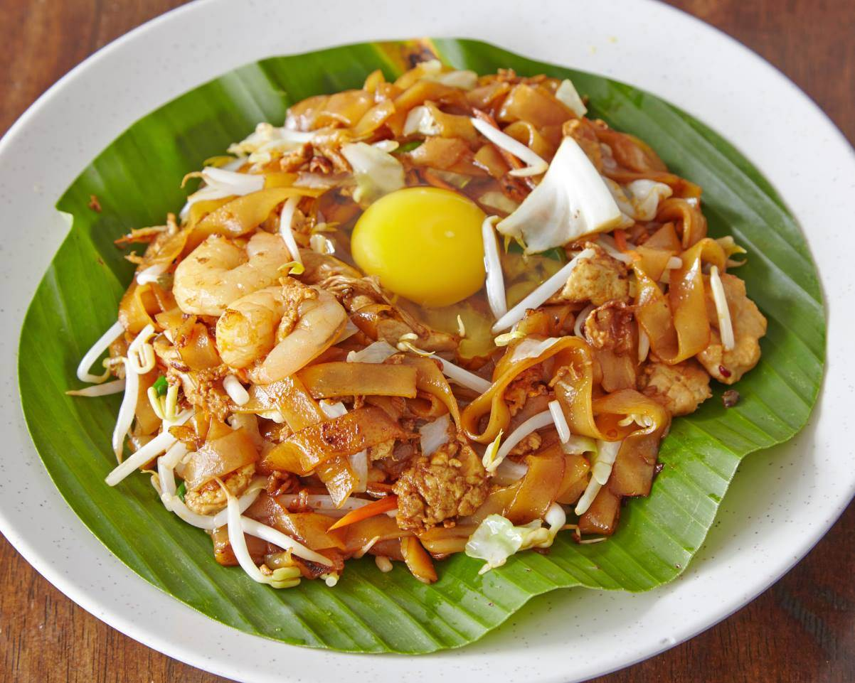 Hinz Kitchen - egg fried kuey teow