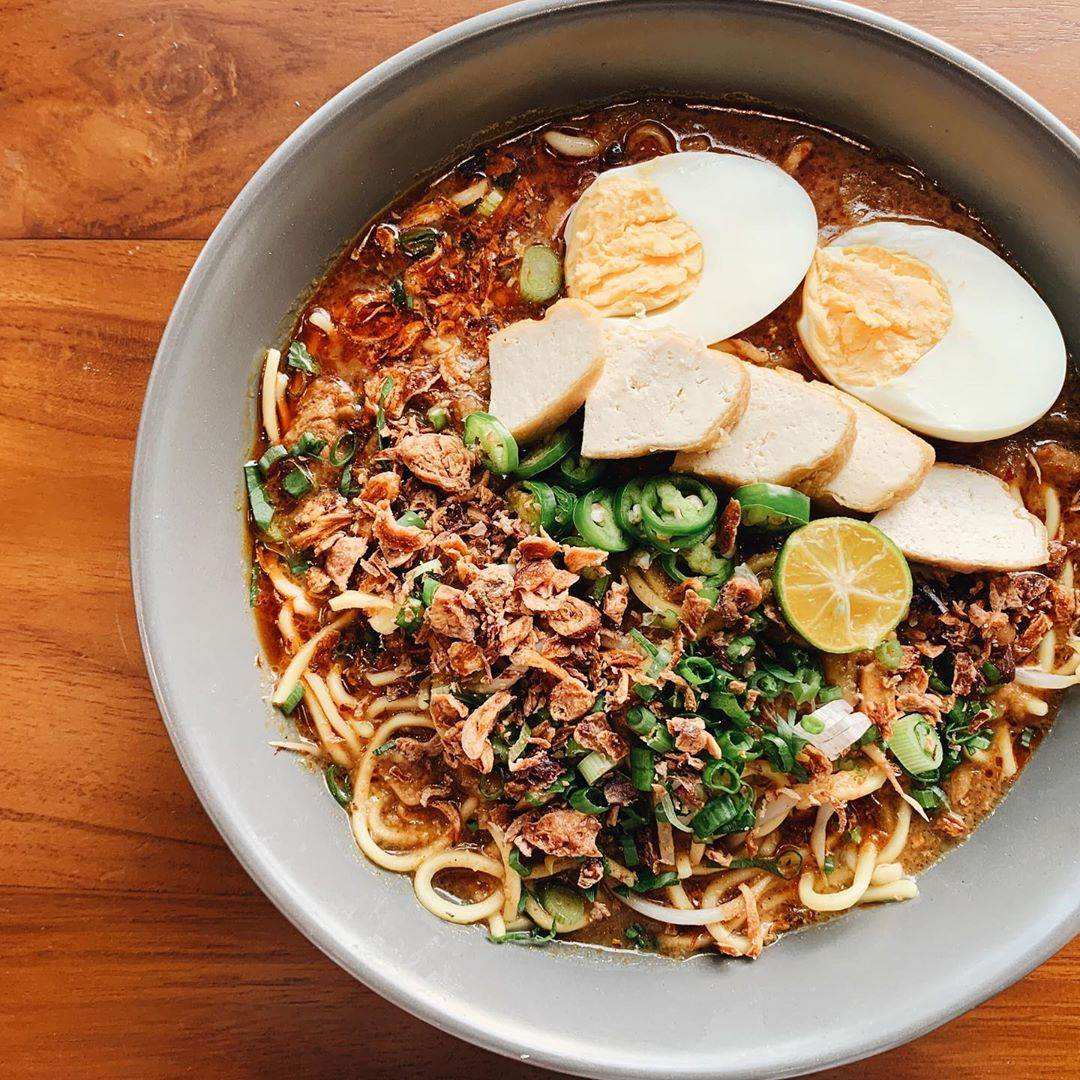 Herbs and Butter mee rebus jawa