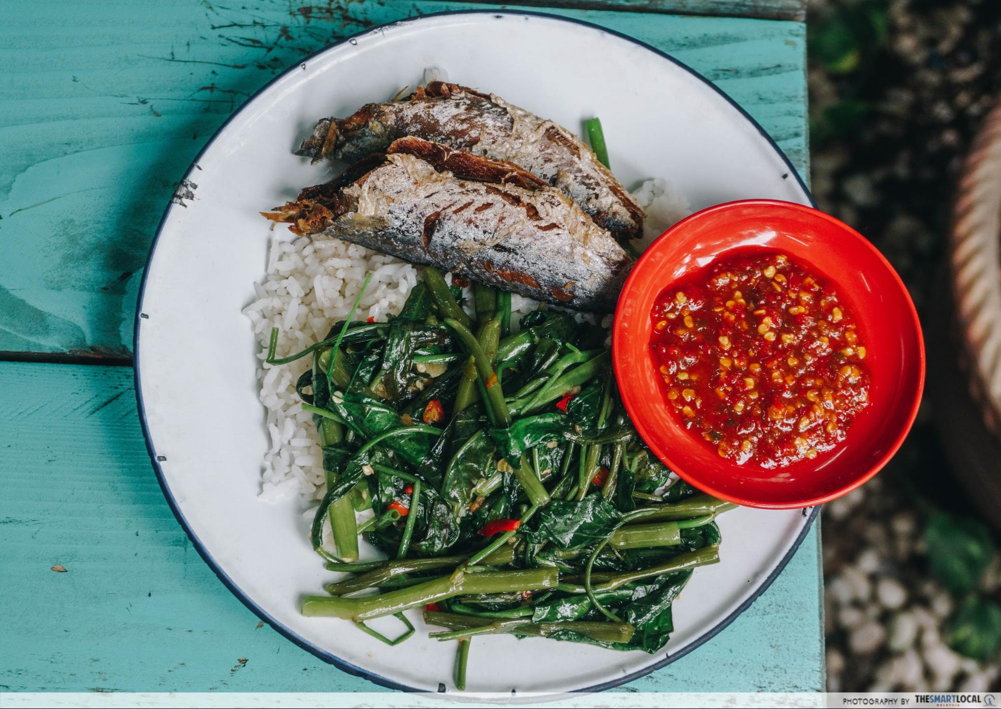 Fried fish with kangkung