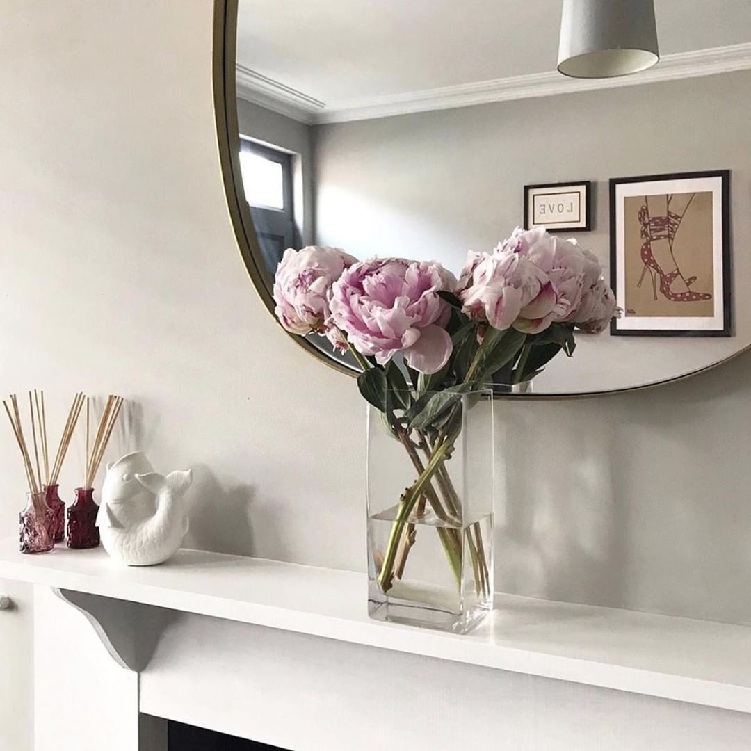 interior design tips - flowers in a room