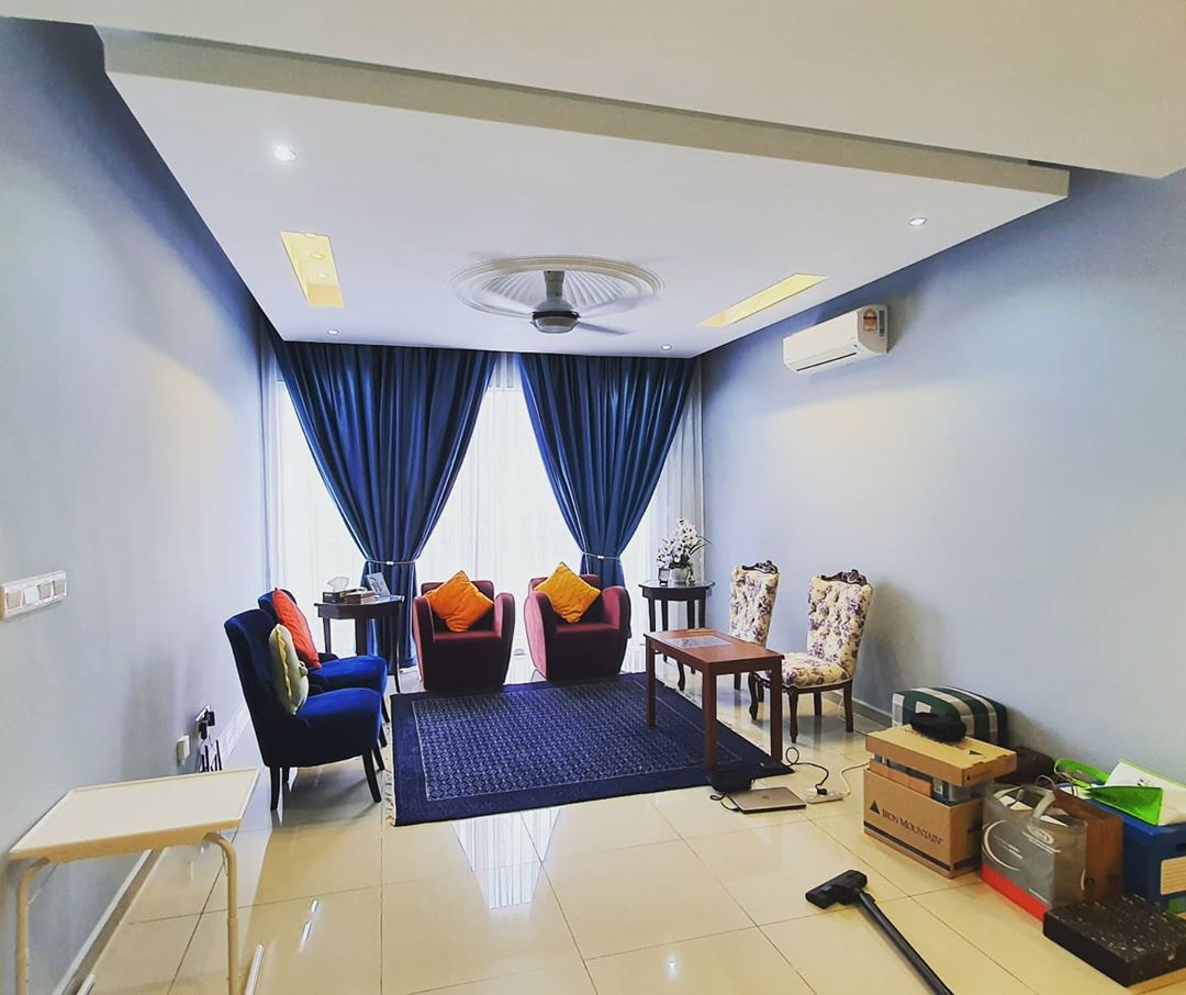 interior design tips - room with light coloured ceiling