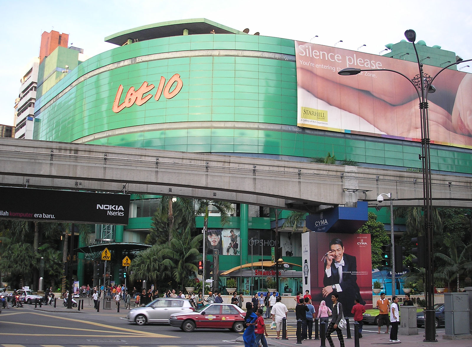 Don Don Donki KL - what to expect at Lot 10