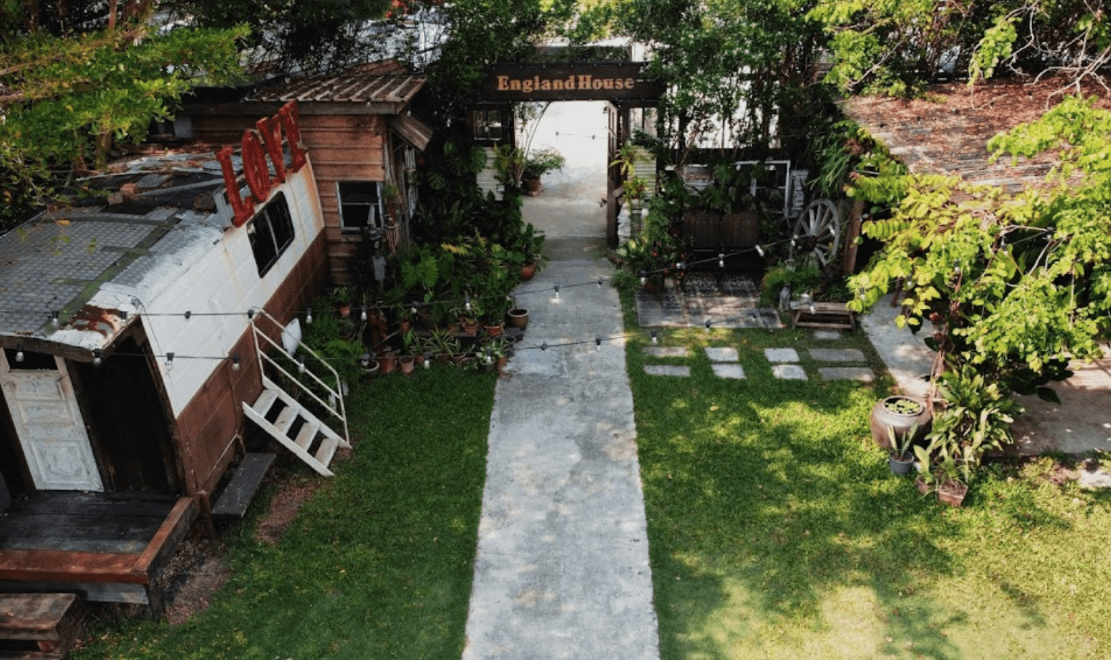 The Coffee Cottage in Penang - garden