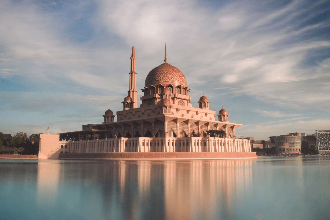 Unique mosques in Malaysia 2 - Putra Mosque