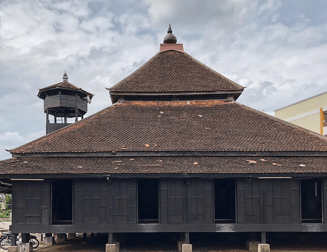 Unique mosques in Malaysia 2 - Masjid Kampung Laut