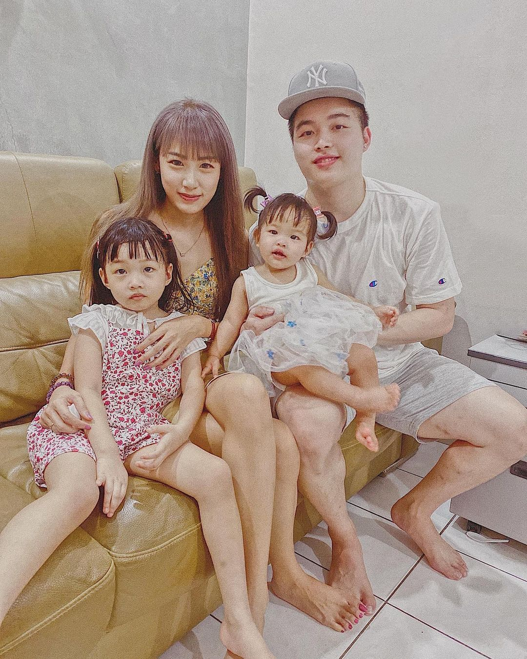 Aaron Chia with his family