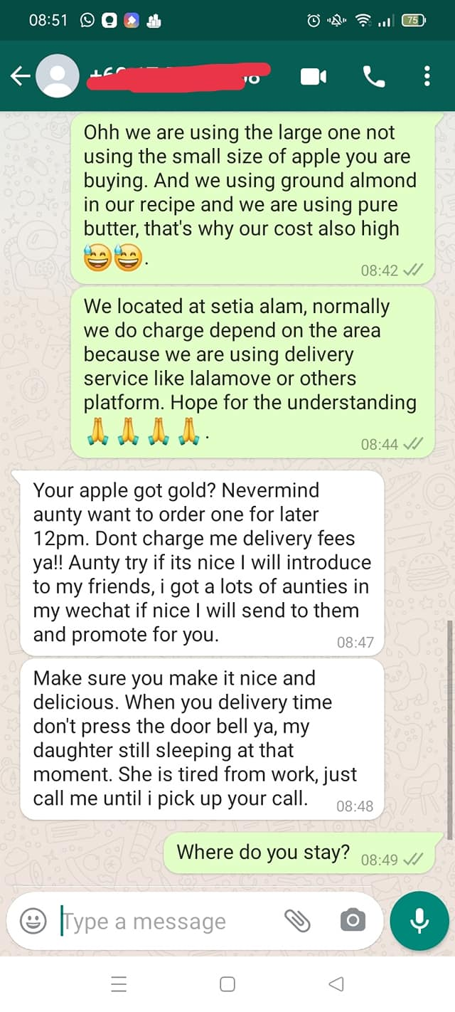 Customer complains about apple tart - chat