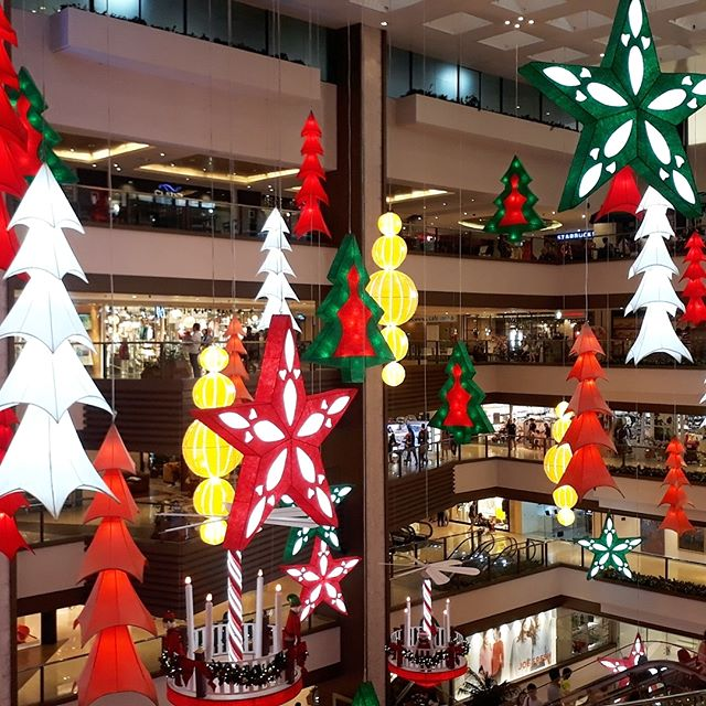 Classic red, green, and white Christmas decors in Shangri-La Plaza