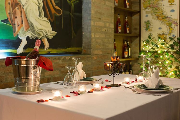 Romantic Package in Galileo Enoteca, with 3 course meal and romantic set up