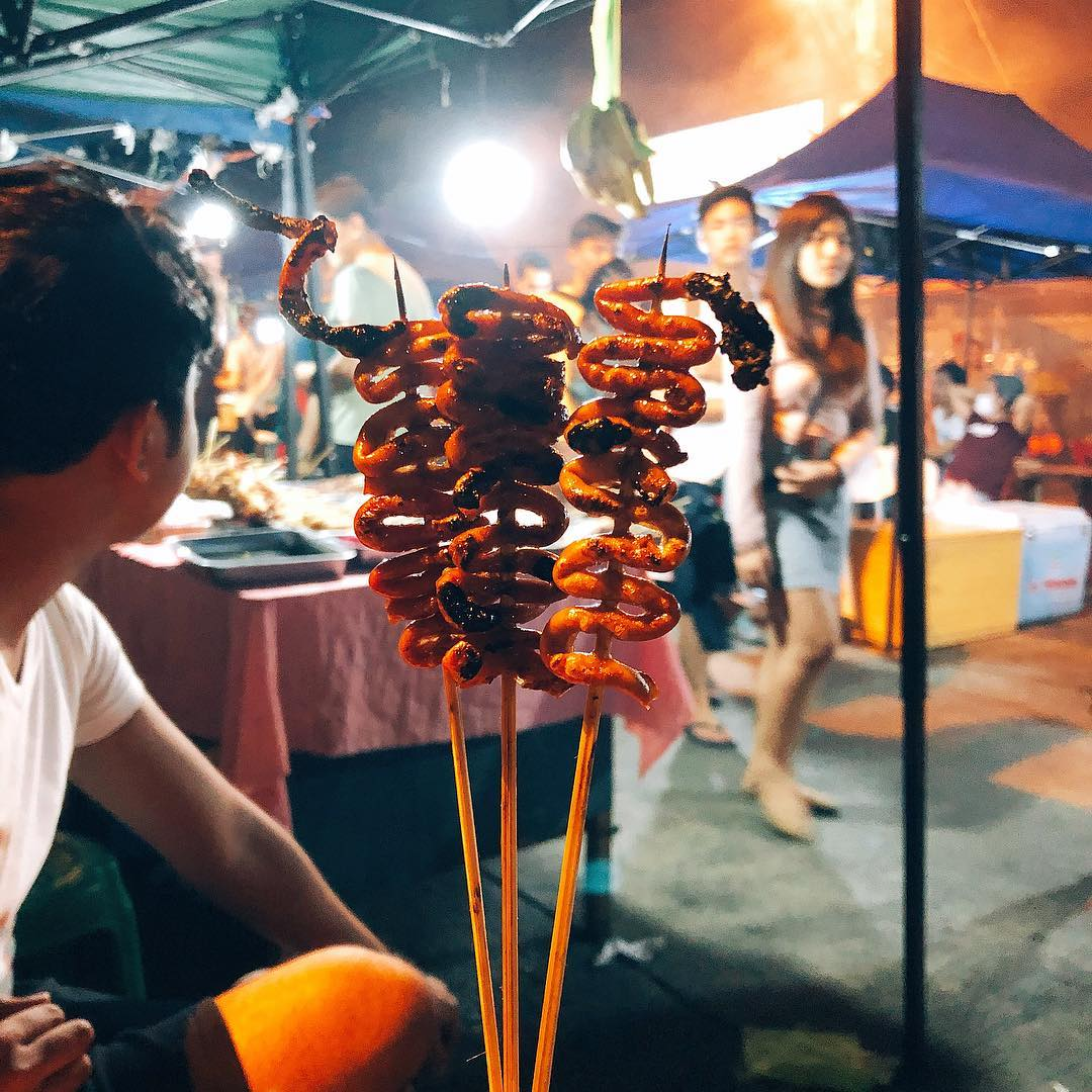 roxas avenue night market street food