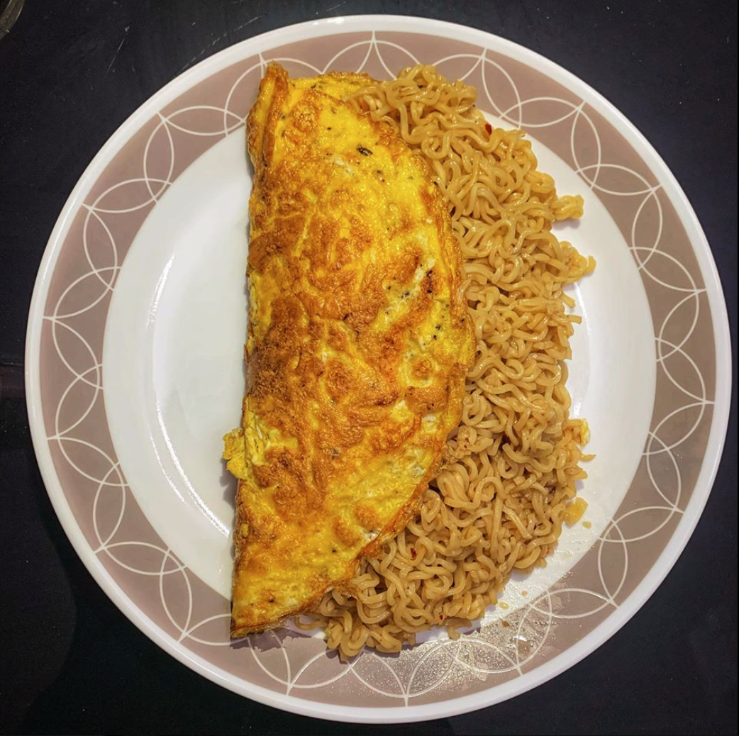 omurice with pancit canton