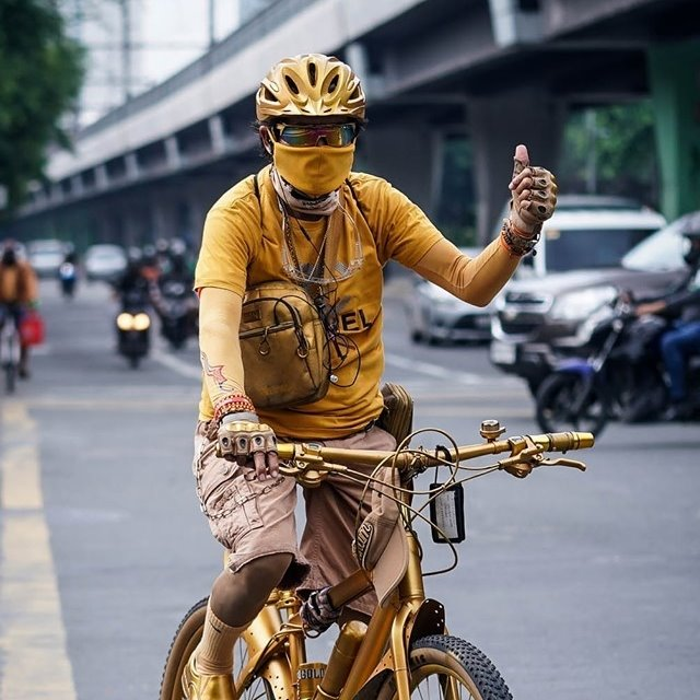 mr. terno - biker yellow outfit