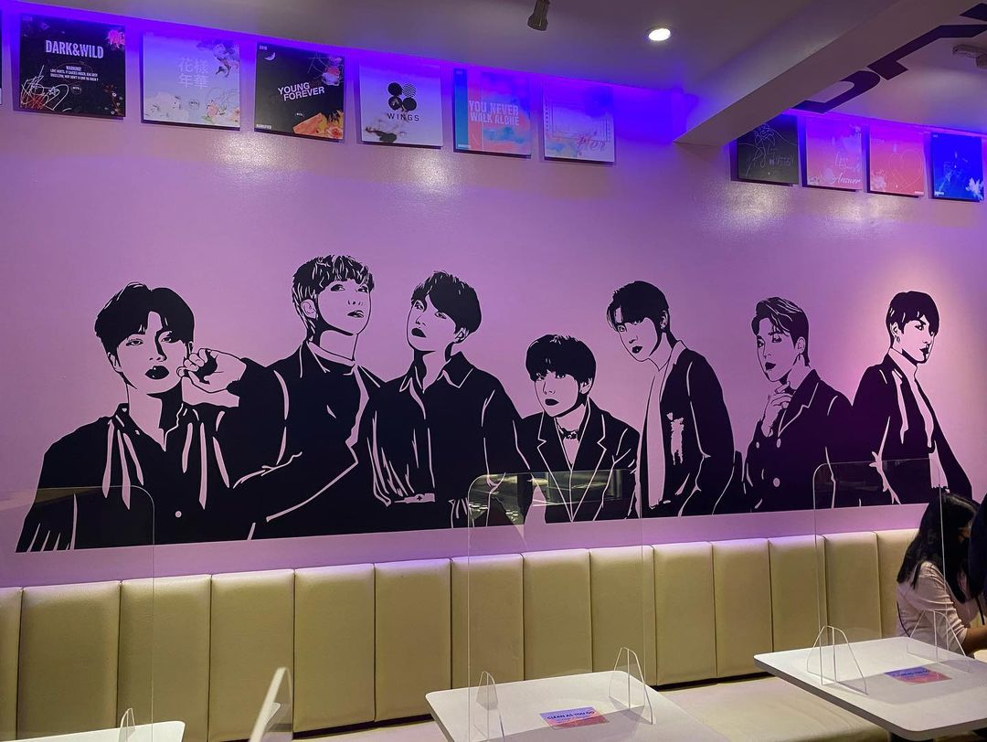 Purple 7 Cafe