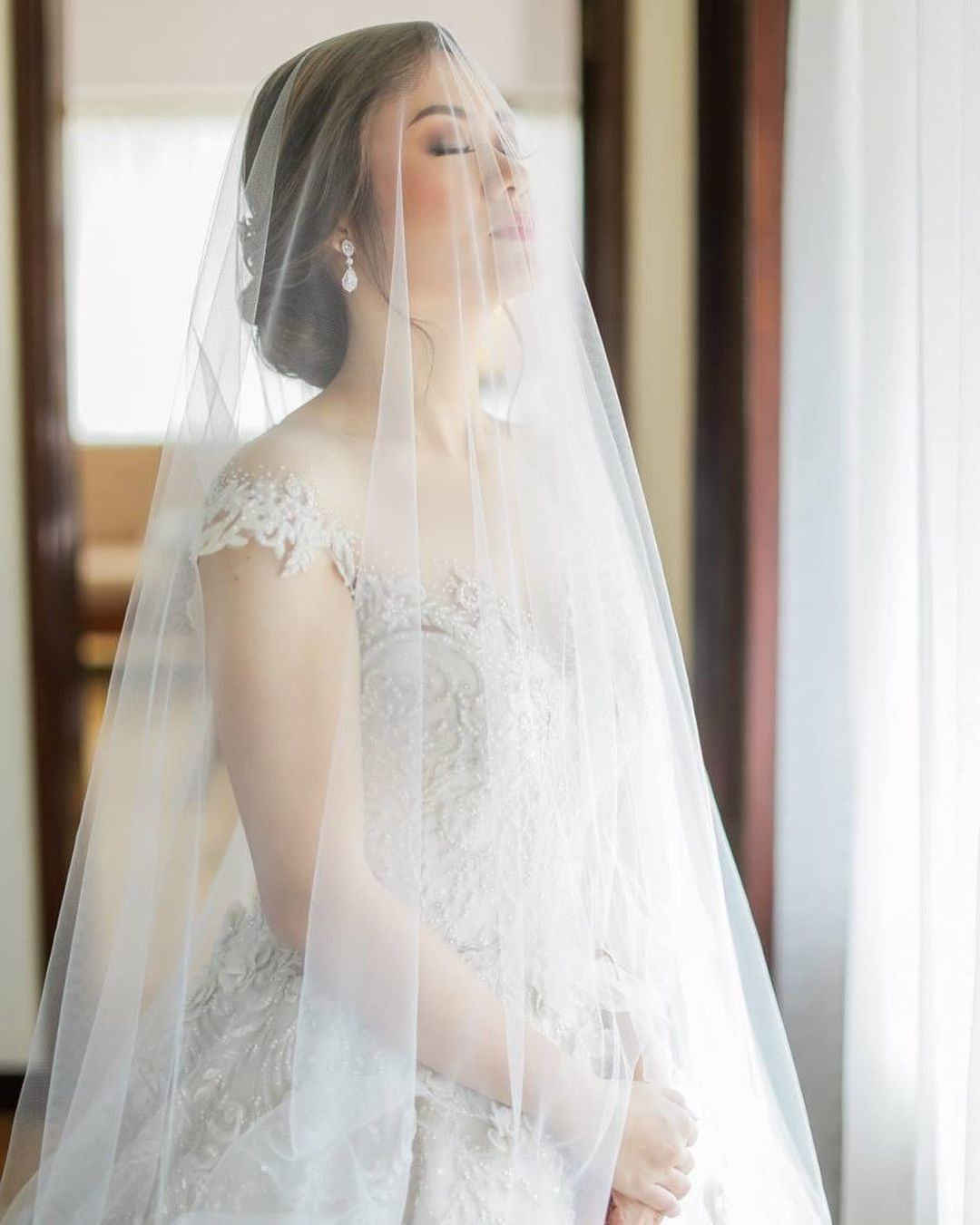 Philippines weddings - white gown