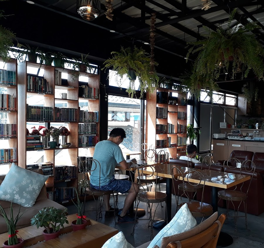 Baguio cafes - Read and Brew