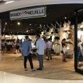 Credit: http://eatdressblog.blogspot.com/2016/10/brandy-melville-singapore-store-opening.html