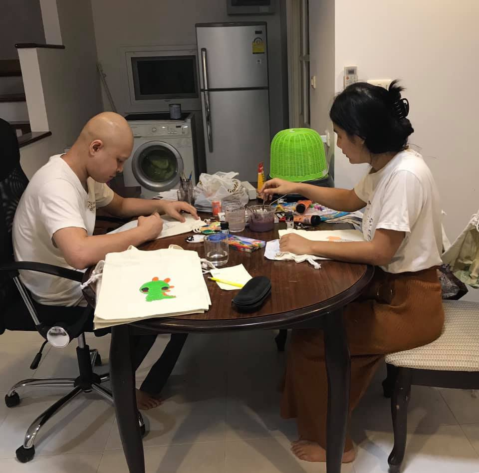 Non Thai man with cancer saves money for his own