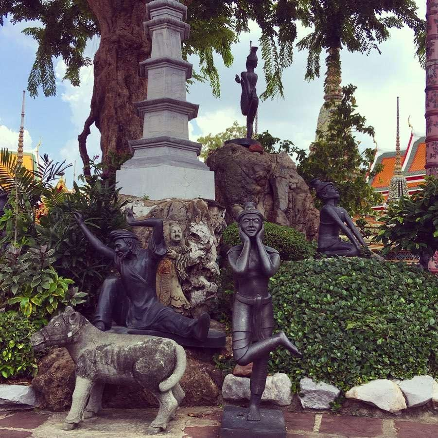 wat pho temple sculpture