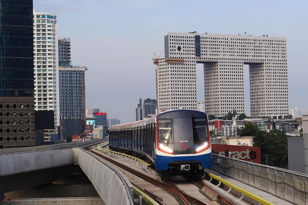 Bangkok BTS Sky Train Is Offering Free Rides Between 4 Newly Opened Stations As A Year-End Gift