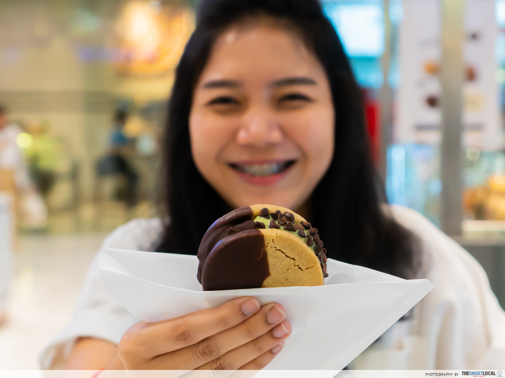 Cookie sandwich ice cream in Bangkok