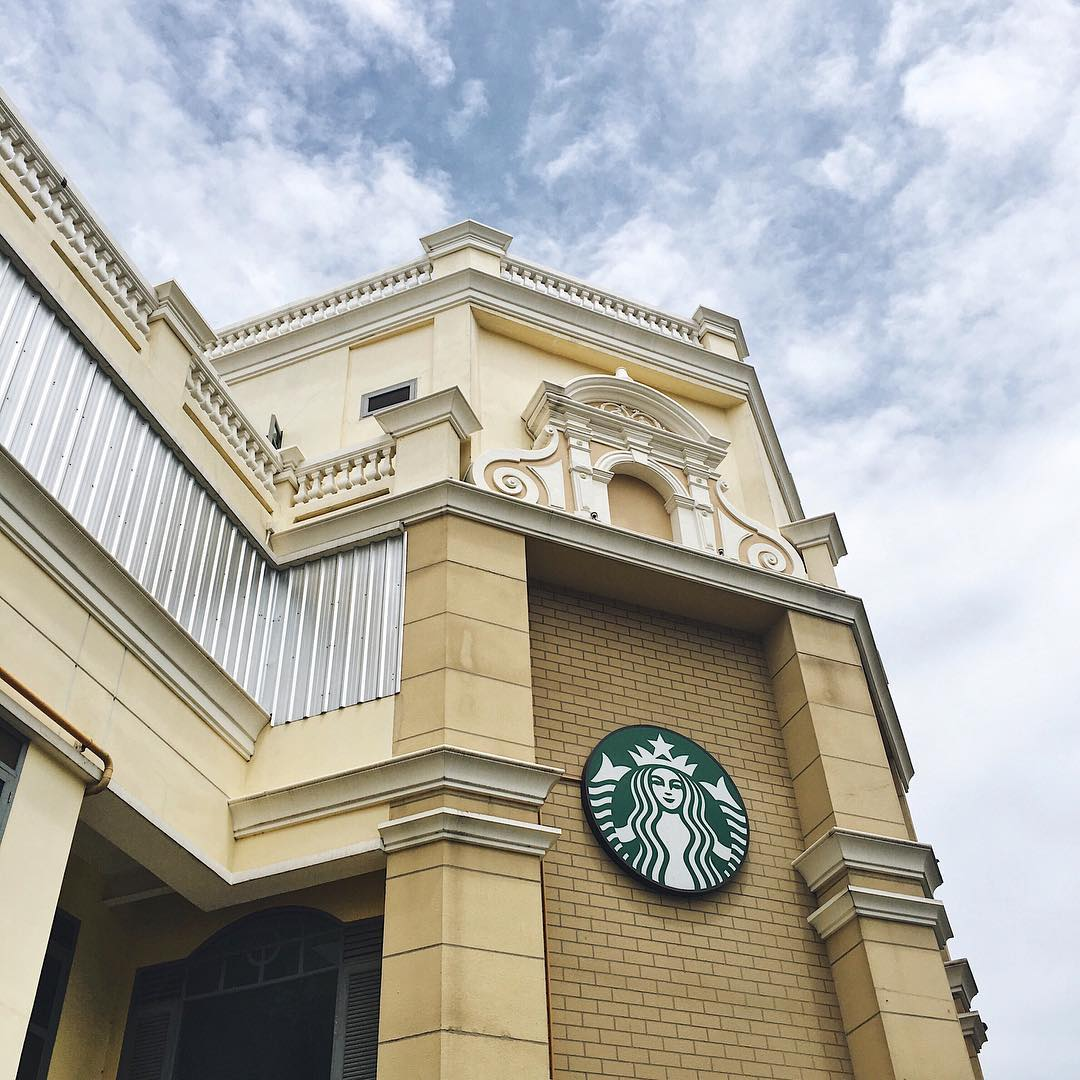 10 Prettiest Starbucks Outlets In Thailand To Visit Even If You Don't Like Coffee
