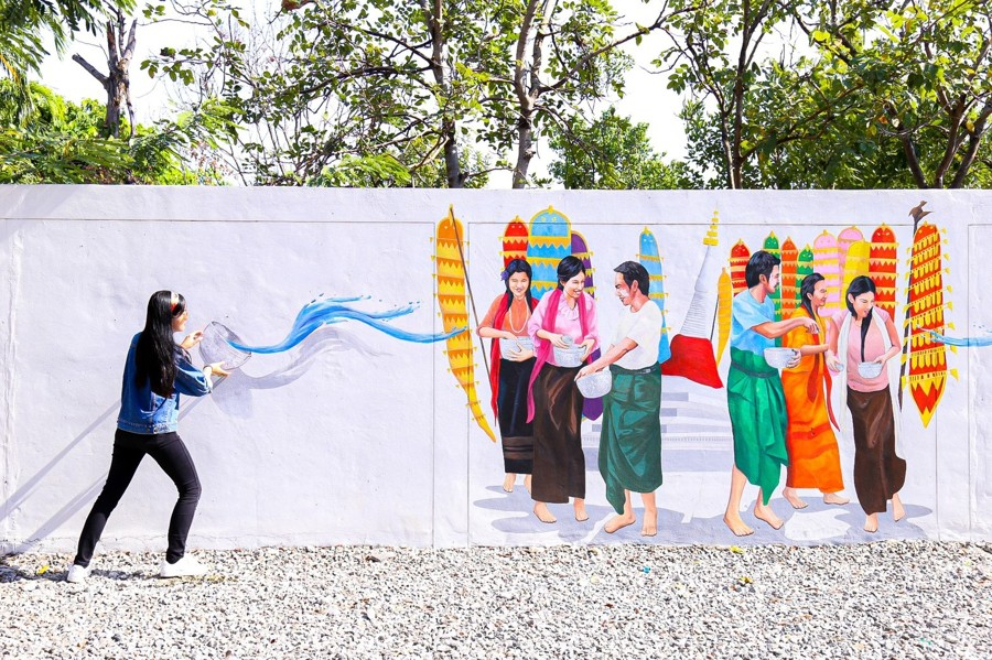 Nonthaburi Has Awesome Street Art With 3D Paintings For Your Next Photoshoot Near Bangkok
