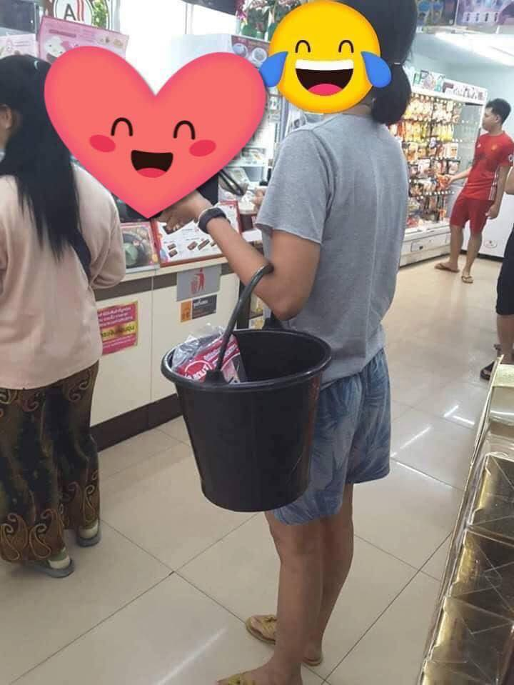 Thai people bring funny bags to shop after plastic bag is banned