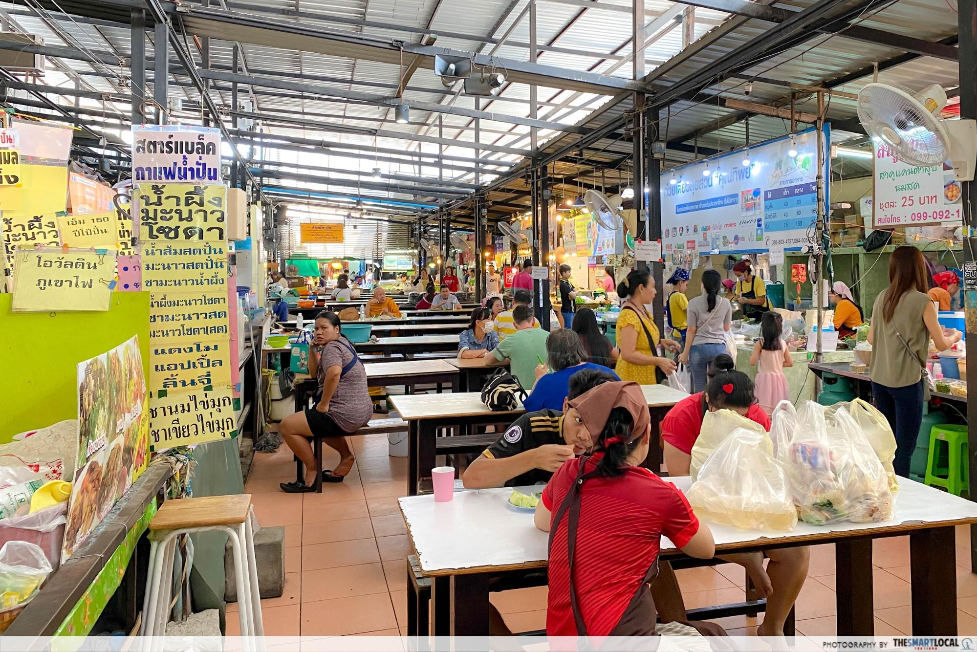 8 Bangkok Markets Super Popular With Locals That Most Tourists Haven't Discovered Yet