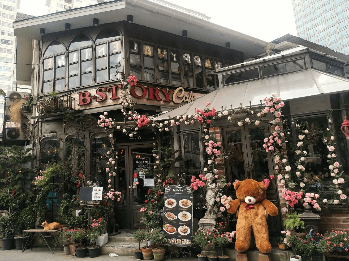 Romantic Cafes In Bangkok