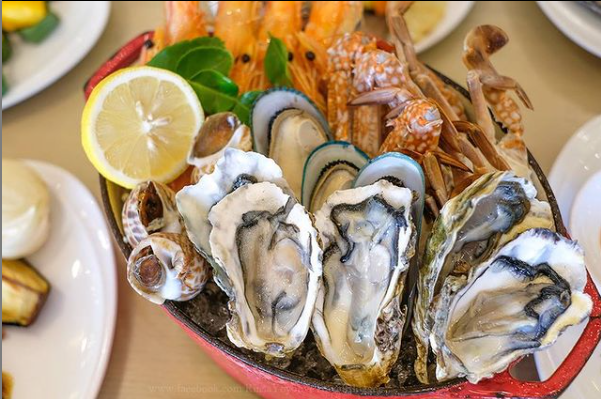 fresh oysters at novotel
