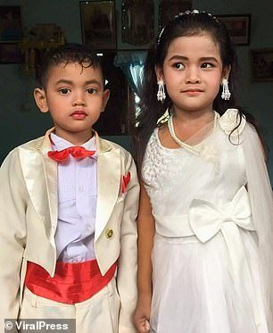 5 year old twins get married