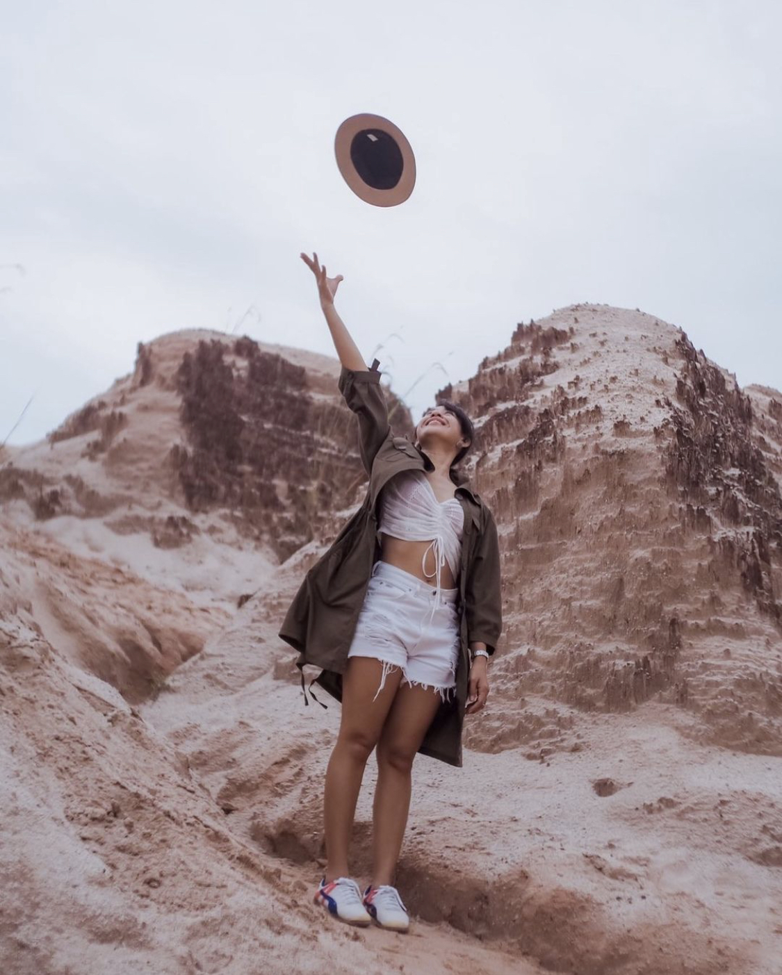girl throws hat2