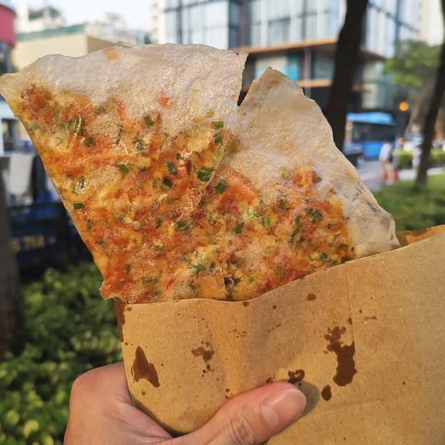 banh trang nuong grilled paper sheet
