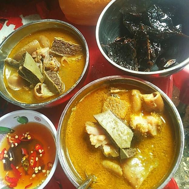Pha lau meat organ stew