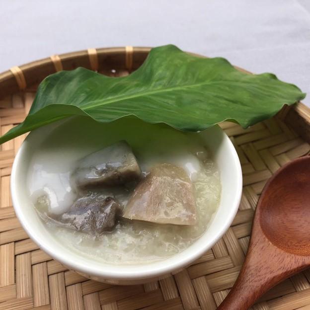 Vietnamese taro pudding also known as che khoai mon