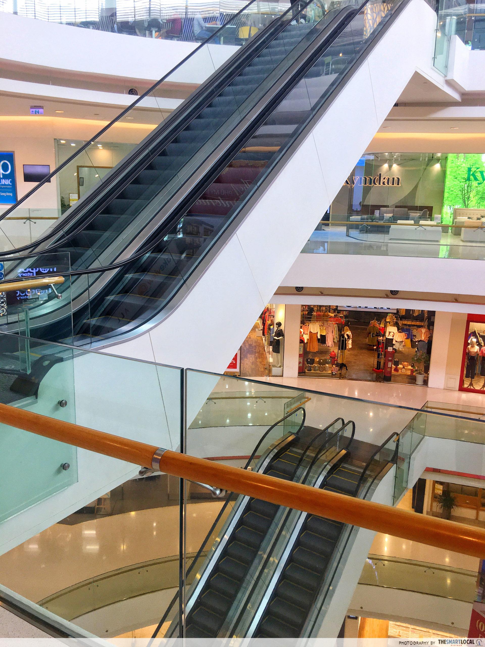 Crescent Mall empty 1