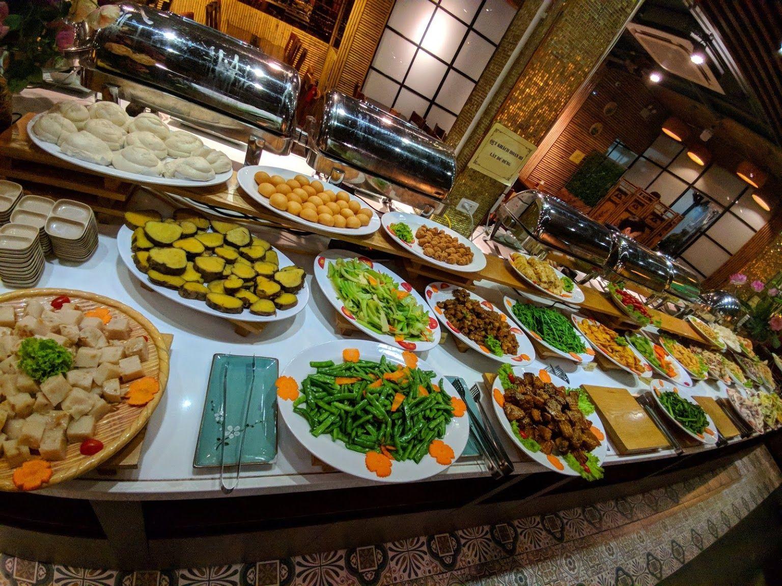 hanoi vegetarian restaurant huong thien buffet