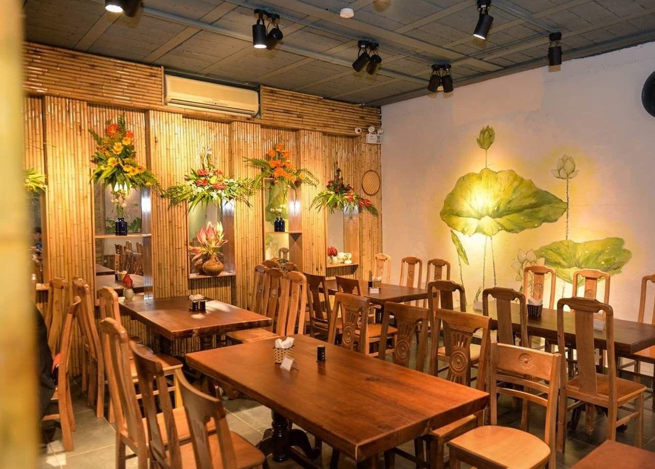 hanoi vegetarian restaurant huong thien interior