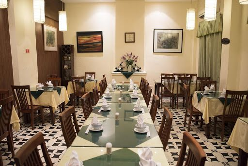 hanoi vegetarian restaurant nang tam interior