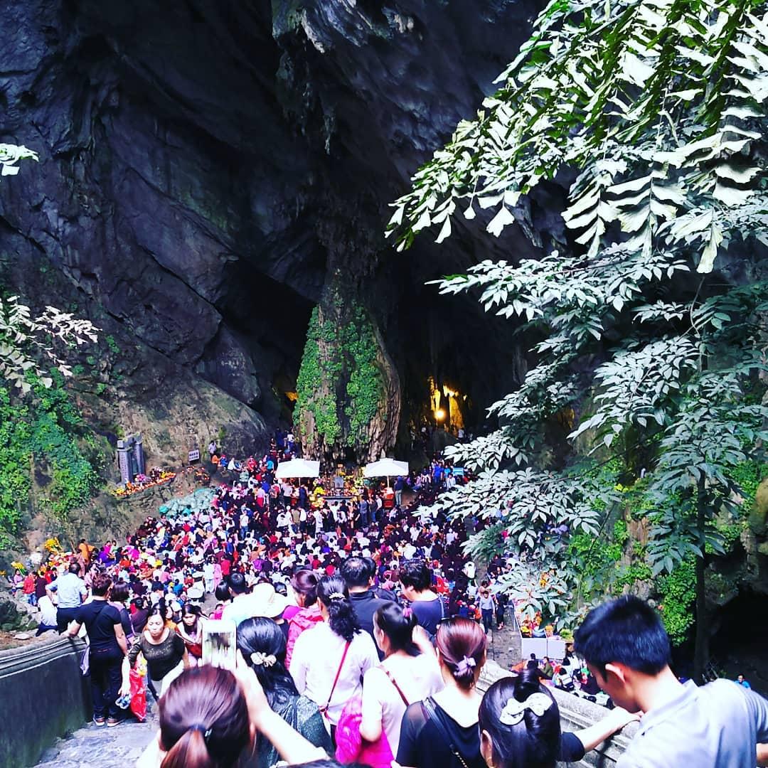 vietnamese festivals perfume pagoda pilgrimage
