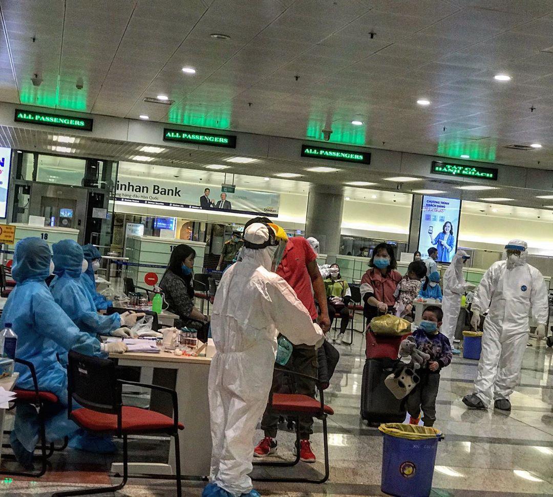 covid 19 in vietnam mandatory testing at airport